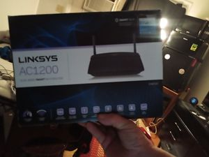 LINKSIS AC1200 SMART WI-FI ROUTER for Sale in Belpre, OH