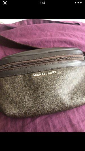 Micheal Kors Waist Bag for Sale in Phoenix, AZ