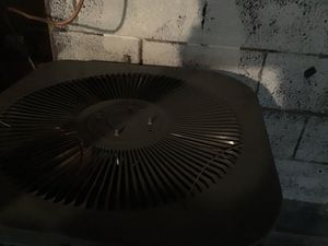 Used ac unit still works for Sale in Detroit, MI