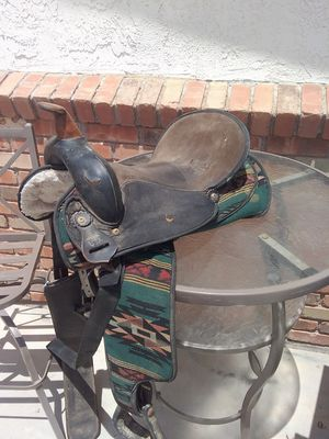 Horse saddle in good shape size 15m for Sale in Apache Junction, AZ