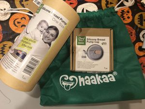 Haakaa silicone breast pump with cap and storage bag NEW 60622 for Sale in Chicago, IL