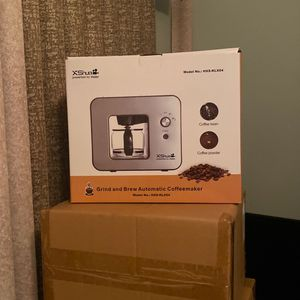 Coffe Makers, Humidifiers, Soft Pillows, Special 12v Germicidal Lamp for Sale in Norco, CA