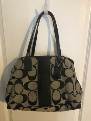 Black authentic Coach purse $45 like new and clean for Sale in West Covina, CA