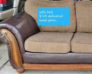 Very nice sofa with pull out bed for Sale in Cleveland, OH