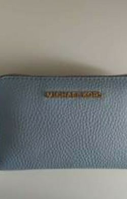 Michael Kors Blue Wallet for Sale in Vancouver,  WA
