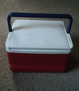 Igloo Cooler for Sale in Newton, KS