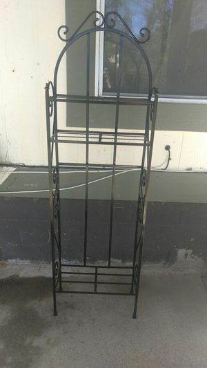Small baker's rack for Sale in Fontana, CA