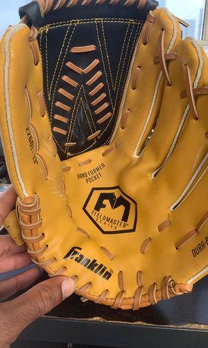 Franklin baseball field glove for Sale in Los Angeles, CA