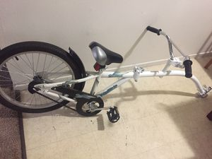 Co-pilot bike trailer for Sale in Atascadero, CA