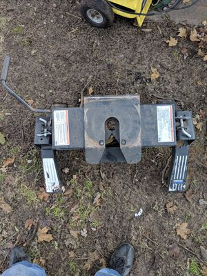 Reese fifth wheel hitch for Sale in Constantine, MI