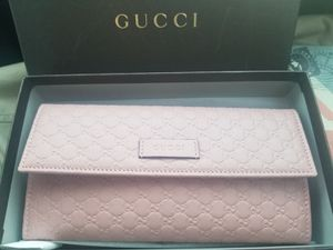 Pink Women's Gucci Wallet for Sale in Santee, CA