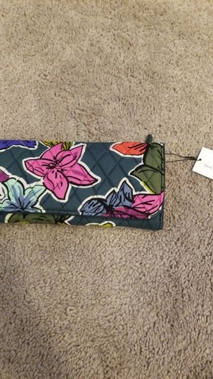 Vera Bradley Trifold Wallet for Sale in Lacey, WA