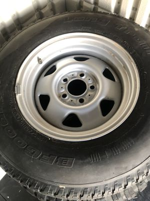 2 Jeep yj factory wheels with tires for Sale in Tehachapi, CA