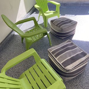 3 Outdoor Chairs With 2 Ottomans for Sale in Los Angeles, CA
