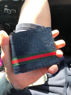 gucci wallet for Sale in Chelmsford, MA