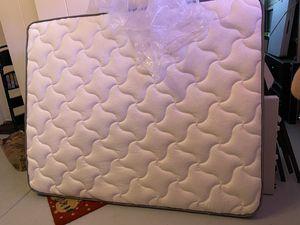 RV Short Queen plush top for Sale in Chandler, AZ