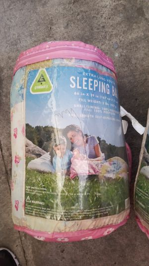 Girls sleeping bags/sleepover/camping/outdoor. for Sale in Carson, CA