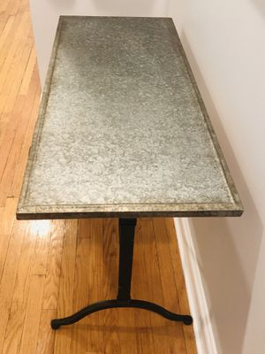 Lightweight table with metal finish for Sale in Chicago, IL