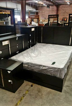 Best DEAL 🍺🍾  FREE Delivery  👍 Evenson Brownish Gray Platform Bedroom Set [FREE CHEST] 313 for Sale in Houston, TX