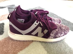 Women's New Balance 247 Size 7 for Sale in Normal, IL