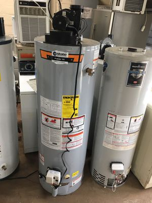 Scratch n dent power vent AO smith gas water tank for Sale in Cleveland, OH
