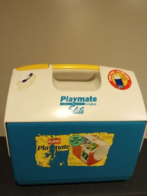 Playmate cooler by igloo for Sale in Forest Heights, MD