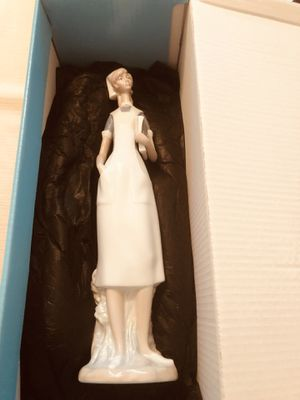Lladro nurse figurine for Sale in Cincinnati, OH