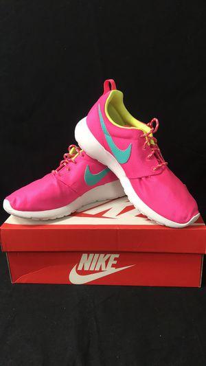 2c9e147002a New Nike Women s Roshe Run Shoes sz 7 for Sale in Santa Ana