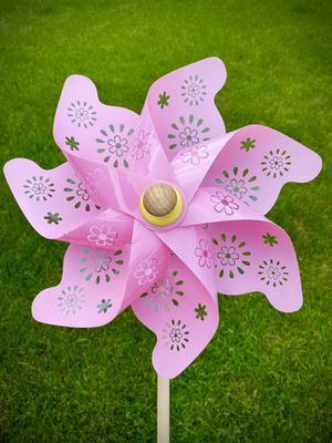 Large 2.5 foot Pink PinWheel Flower Yard Stake for Sale in HOFFMAN EST, IL