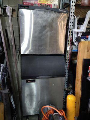 SCOTSMAN ICE MAKER W/BIN...1077 LB OF ICE!!! for Sale in Chicago, IL