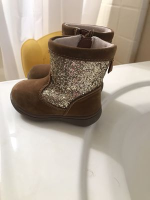Baby Girl boots size 4 for Sale in North Las Vegas, NV