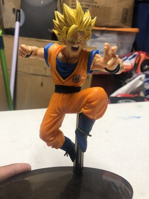 Dragon ball z figures for Sale in Chicago, IL