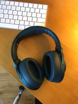 Sony MDR headphones noise canceling for Sale in Jersey City, NJ