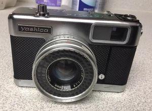 Vintage Yashica EZ-matic 4 Vintage Camera (Excellent Exterior) 35 38mm for Sale in Lakeland, FL