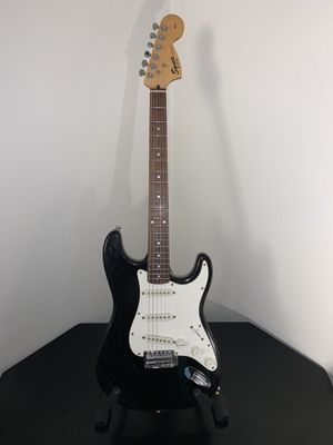 Fender Squier Stratocaster for Sale in Bakersfield, CA