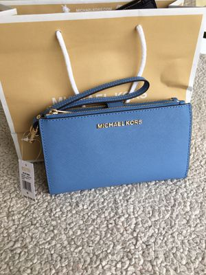 Authentic Michael kors wallet for Sale in Lakewood, WA