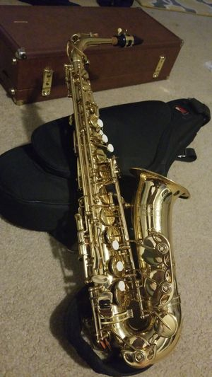 Monique Pro Series Alto Saxophone for Sale in Maple Heights, OH