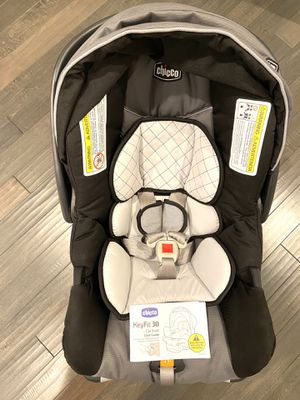 Chicco KeyFit 30 Infant Car Seat and Base for Sale in Springfield, PA