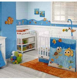 Disney Finding Nemo 4 pieces crib set for Sale in Pembroke Pines, FL