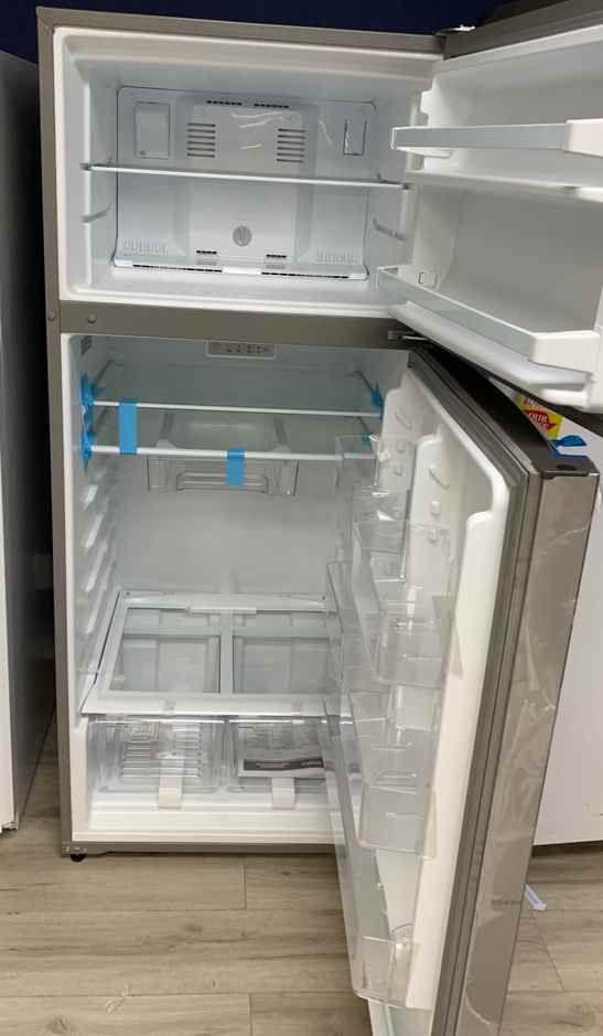 Brand new Whirlpool WRT518SZFM refrigerator 10TM