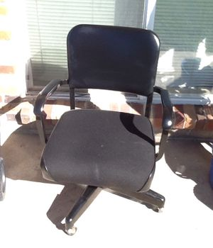 Rolling office chair for Sale in Colorado Springs, CO