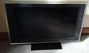 TV-Sony Bravia XBR 40 inch TV and Remote Control for Sale in Chicago, IL