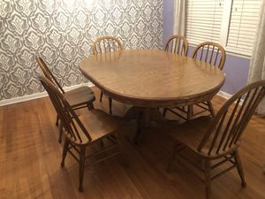 Dining room / kitchen table with 6 chairs. for Sale in McCook, IL