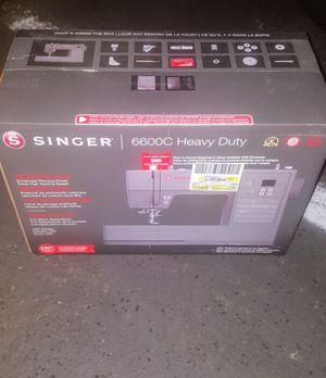 Singer 6600C Heavy Duty Professional Sewing Machine Brand New for Sale in Bellevue, WA