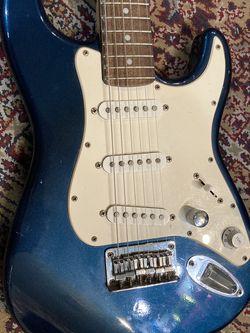 Fender Squier Mini Strat 3/4 Size For Child Or Travel for Sale in Norwalk,  CA