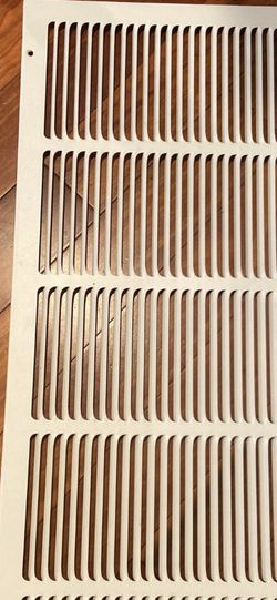 """In good condition air vent cover (31 5/8""""x 13 5/8""""). for Sale in Everett,  WA"""