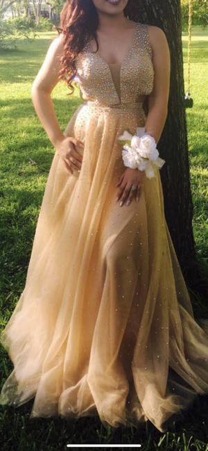 Dillards prom dress for Sale in Channelview, TX