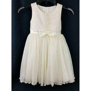 Bonnie Jean Girls Ivory Dress Size 5 Sleeveless Wedding Formal Tulle Skirt BOW for Sale in Avondale, AZ