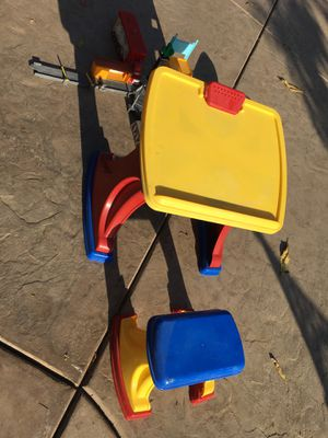 Kids desk & stool for Sale in Chino, CA