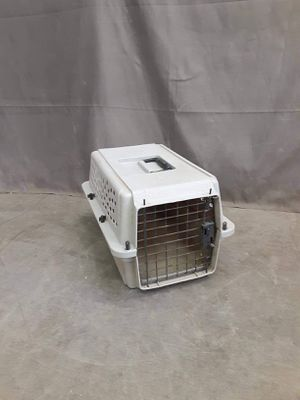 Small dog kennel perfect for a cat or a tiny dog $20 for Sale in Boise, ID